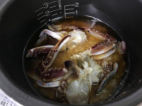 ワタリガニの炊き込みご飯