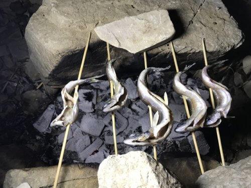 ヒメマスの炭火焼き